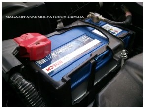 zamena-akkumulyator_bosch-s4-021-45аh-330a-Mazda_MX5-Toyota_Yaris-Honda_Accord_Civic_HR-V_CR-V